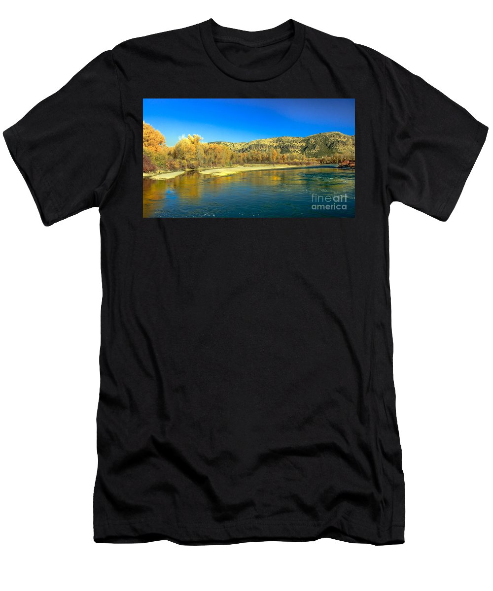 Idaho Men's T-Shirt (Athletic Fit) featuring the photograph Fall Reflections by Robert Bales