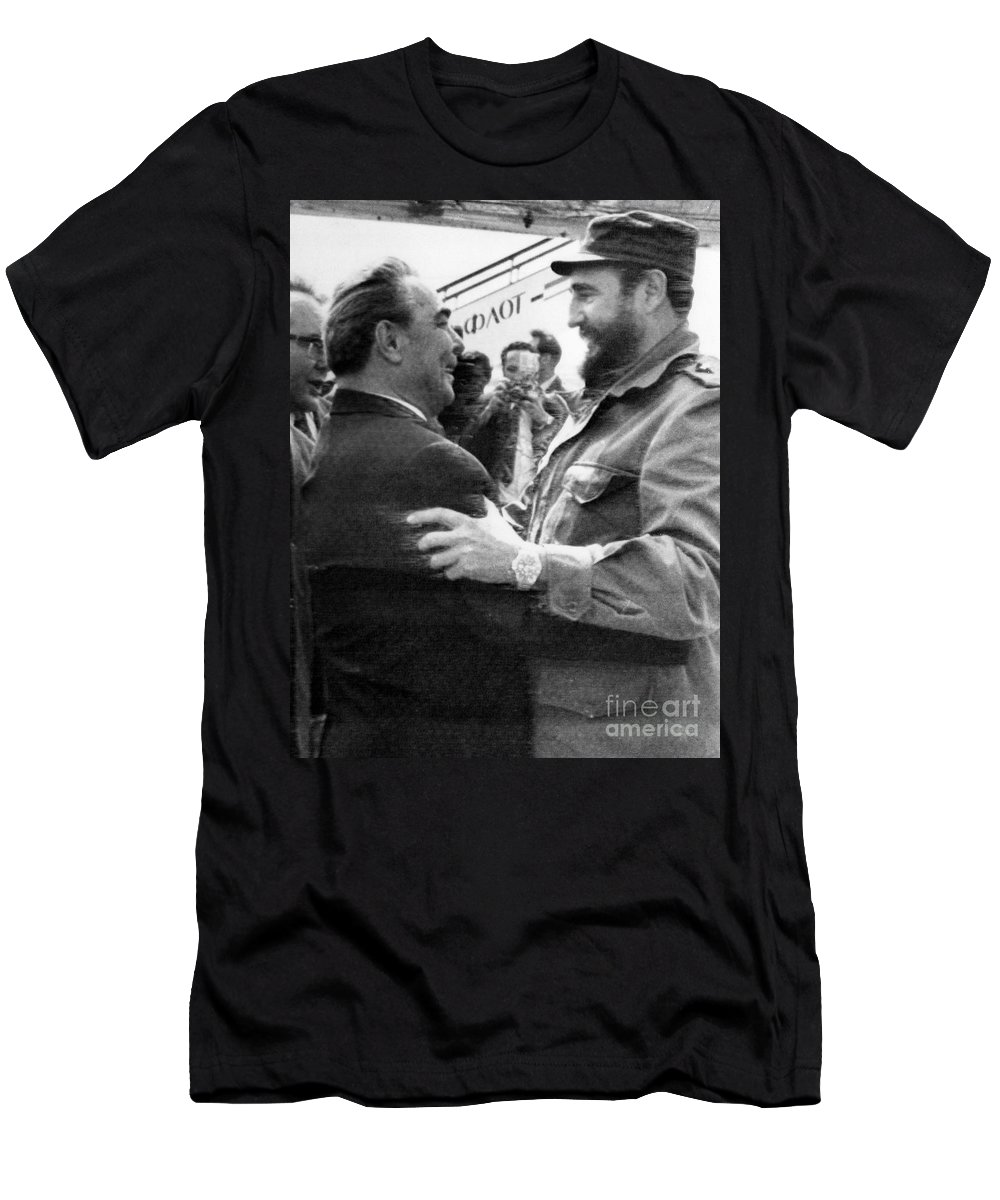 1972 Men's T-Shirt (Athletic Fit) featuring the photograph Fidel Castro by Granger