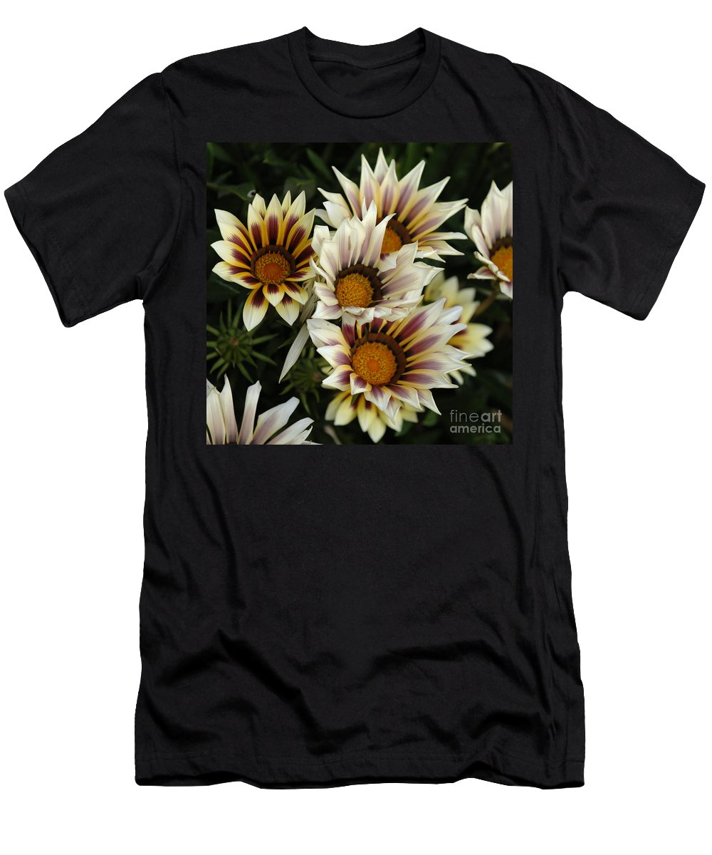 Flower Men's T-Shirt (Athletic Fit) featuring the photograph Flowers Of New Zealand 2 by Bob Christopher
