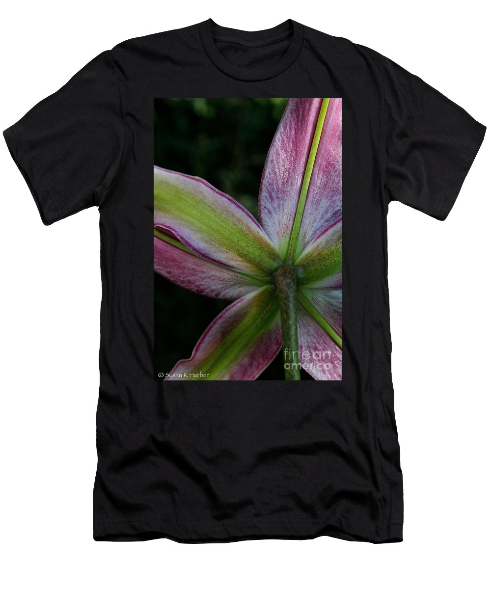Plant Men's T-Shirt (Athletic Fit) featuring the photograph Framework by Susan Herber