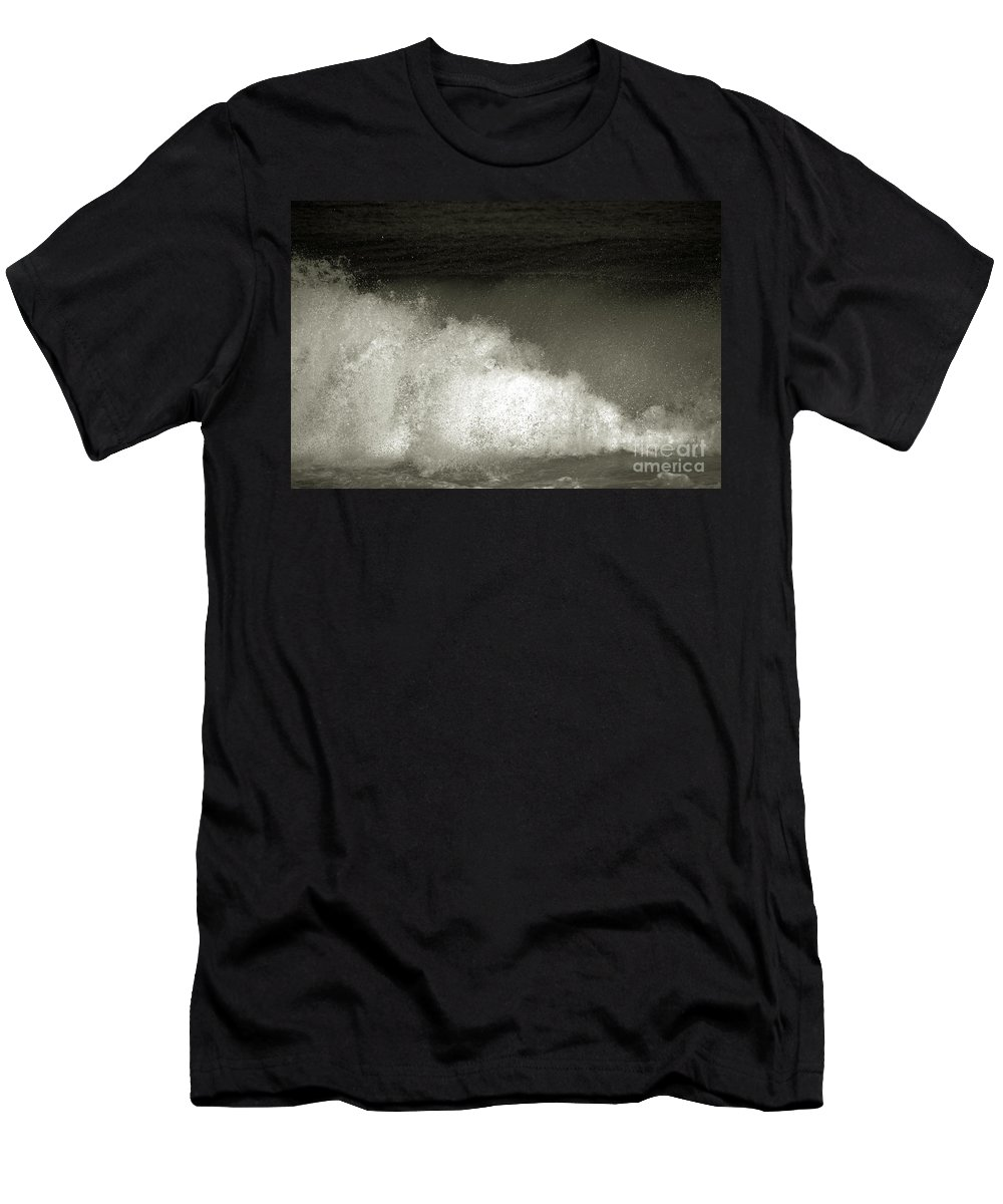 Wave Men's T-Shirt (Athletic Fit) featuring the photograph Great Wave For Surfers by Susanne Van Hulst