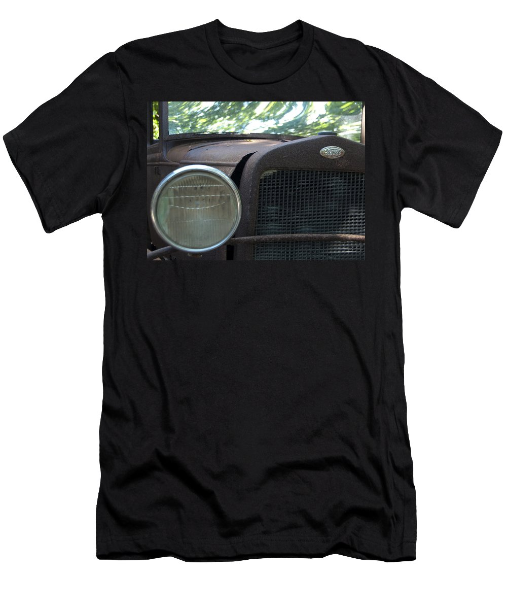 Natanson Men's T-Shirt (Athletic Fit) featuring the photograph Headlight by Steven Natanson