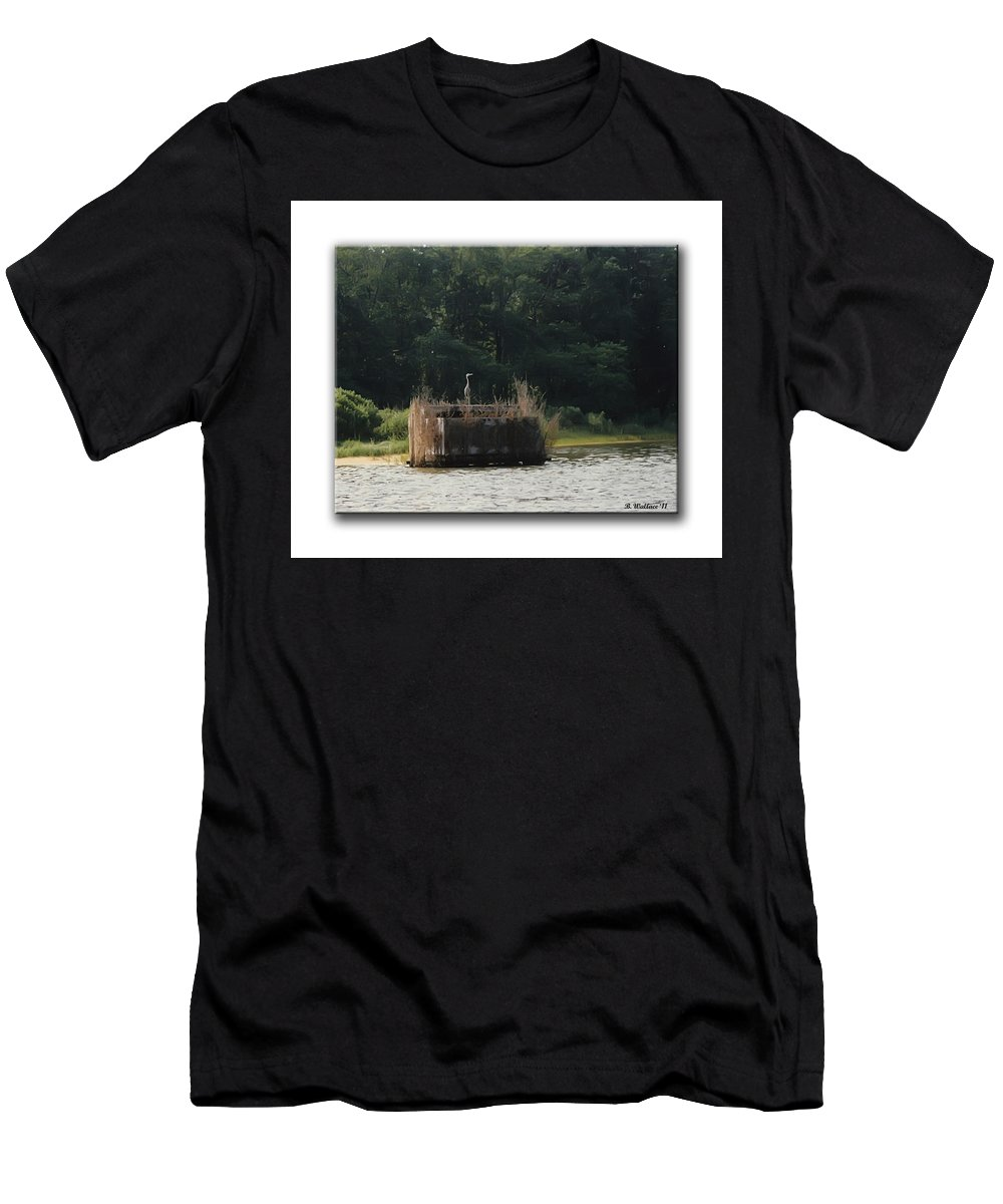 2d Men's T-Shirt (Athletic Fit) featuring the photograph Heron On The Blind by Brian Wallace
