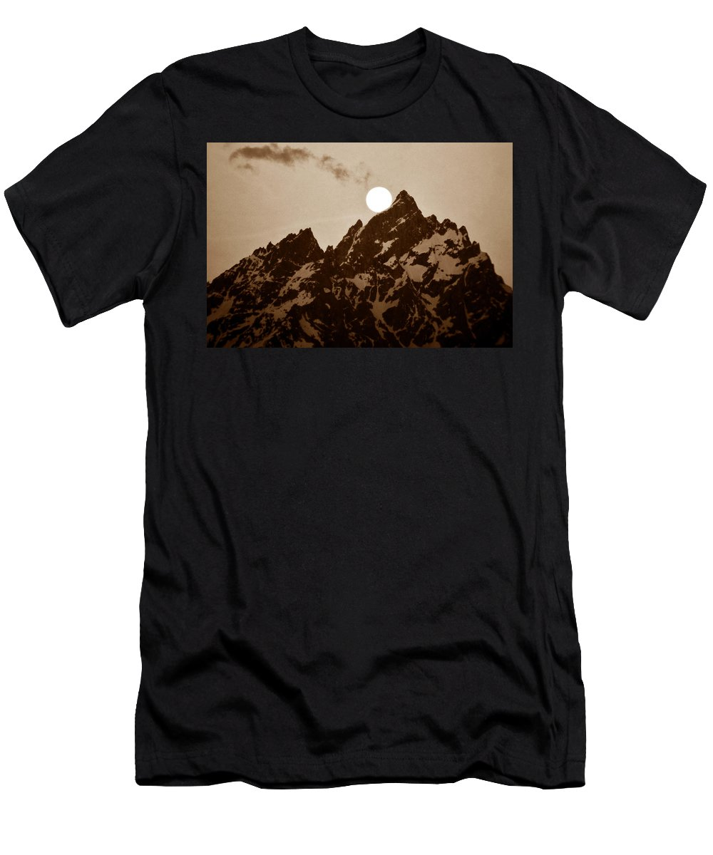 Fine Art Photography Men's T-Shirt (Athletic Fit) featuring the photograph Kissing The Teton by David Lee Thompson