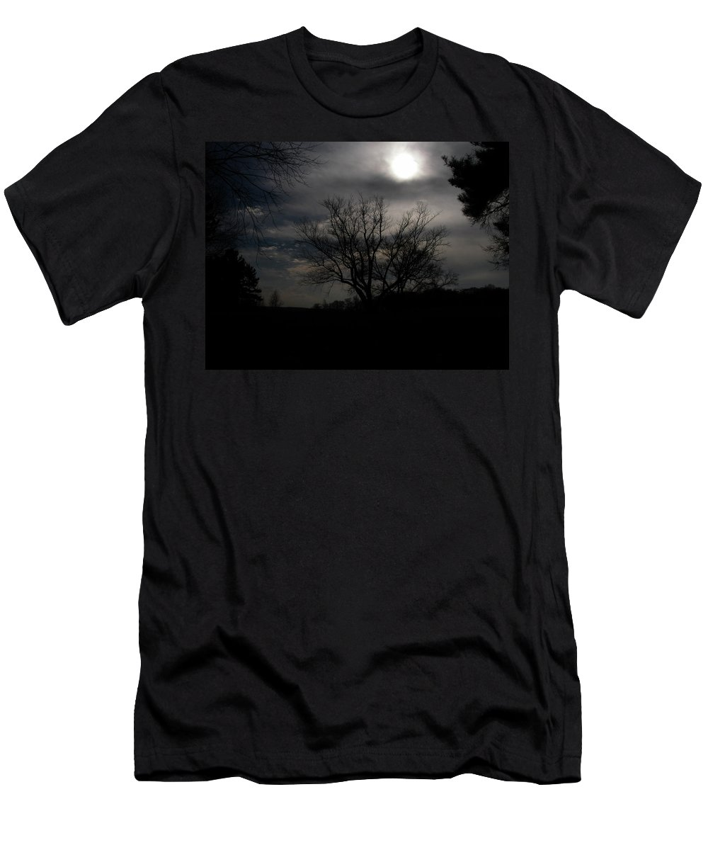 Cloud Men's T-Shirt (Athletic Fit) featuring the photograph Know Farm 2150 by Guy Whiteley
