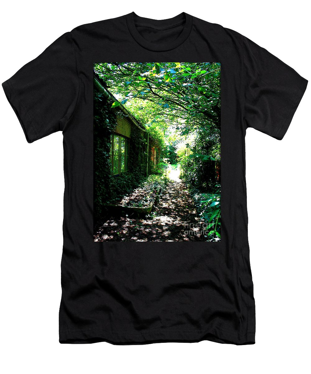 Men's T-Shirt (Athletic Fit) featuring the photograph Last Days Of Summer by Carol Groenen