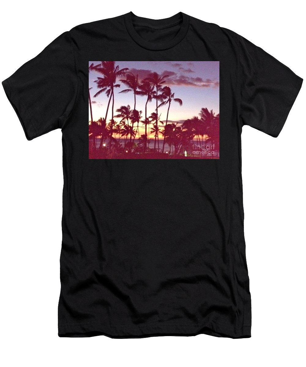 Hawaii Men's T-Shirt (Athletic Fit) featuring the photograph Mahalo For This Day by Beth Saffer