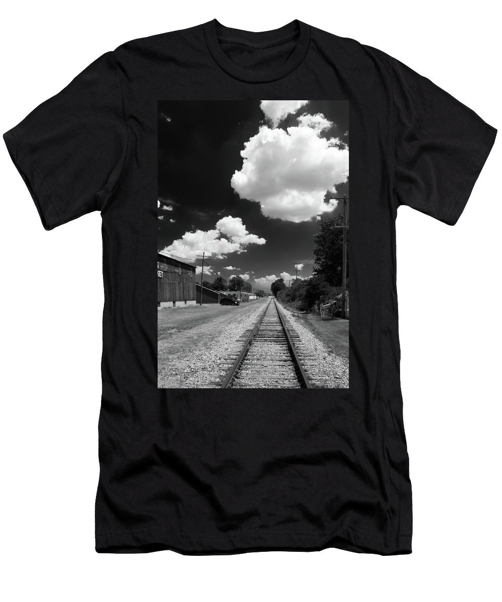Engine Men's T-Shirt (Athletic Fit) featuring the photograph Medina 7325 by Guy Whiteley