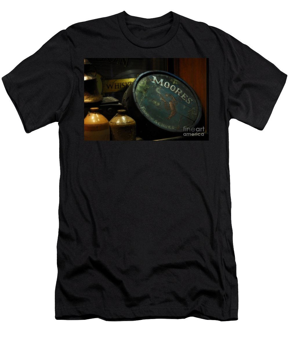 Moore's Tavern After Closing Men's T-Shirt (Athletic Fit) featuring the photograph Moore's Tavern After Closing by Mary Machare