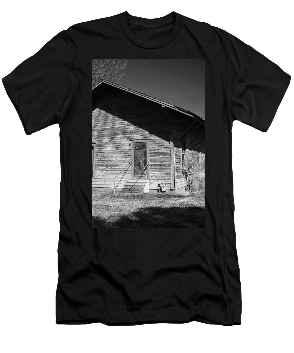 Belle Mina Men's T-Shirt (Athletic Fit) featuring the photograph Old Belle Mina Railroad Station by Kathy Clark