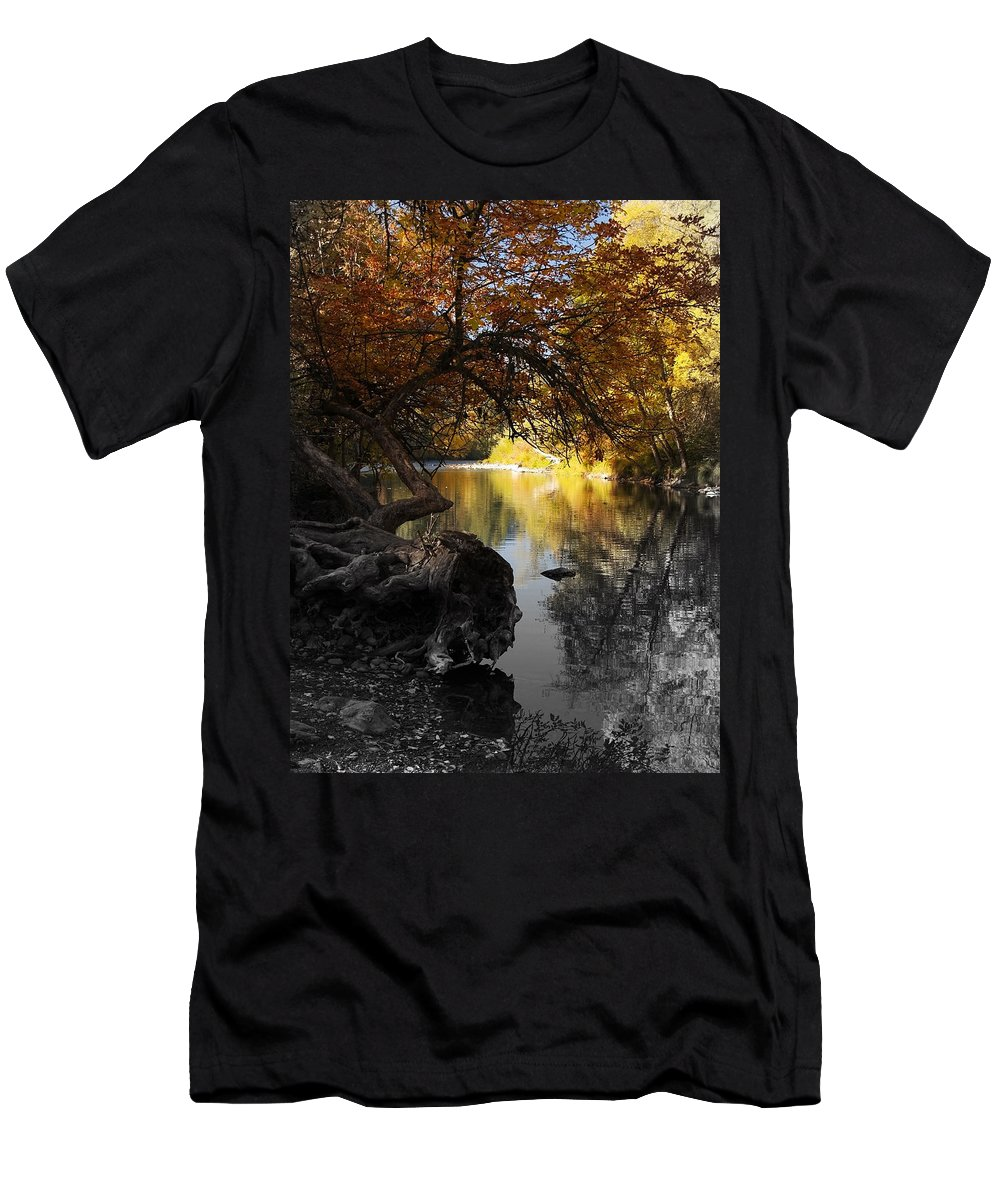 Tree Men's T-Shirt (Athletic Fit) featuring the photograph One Last Glance by Teri Schuster