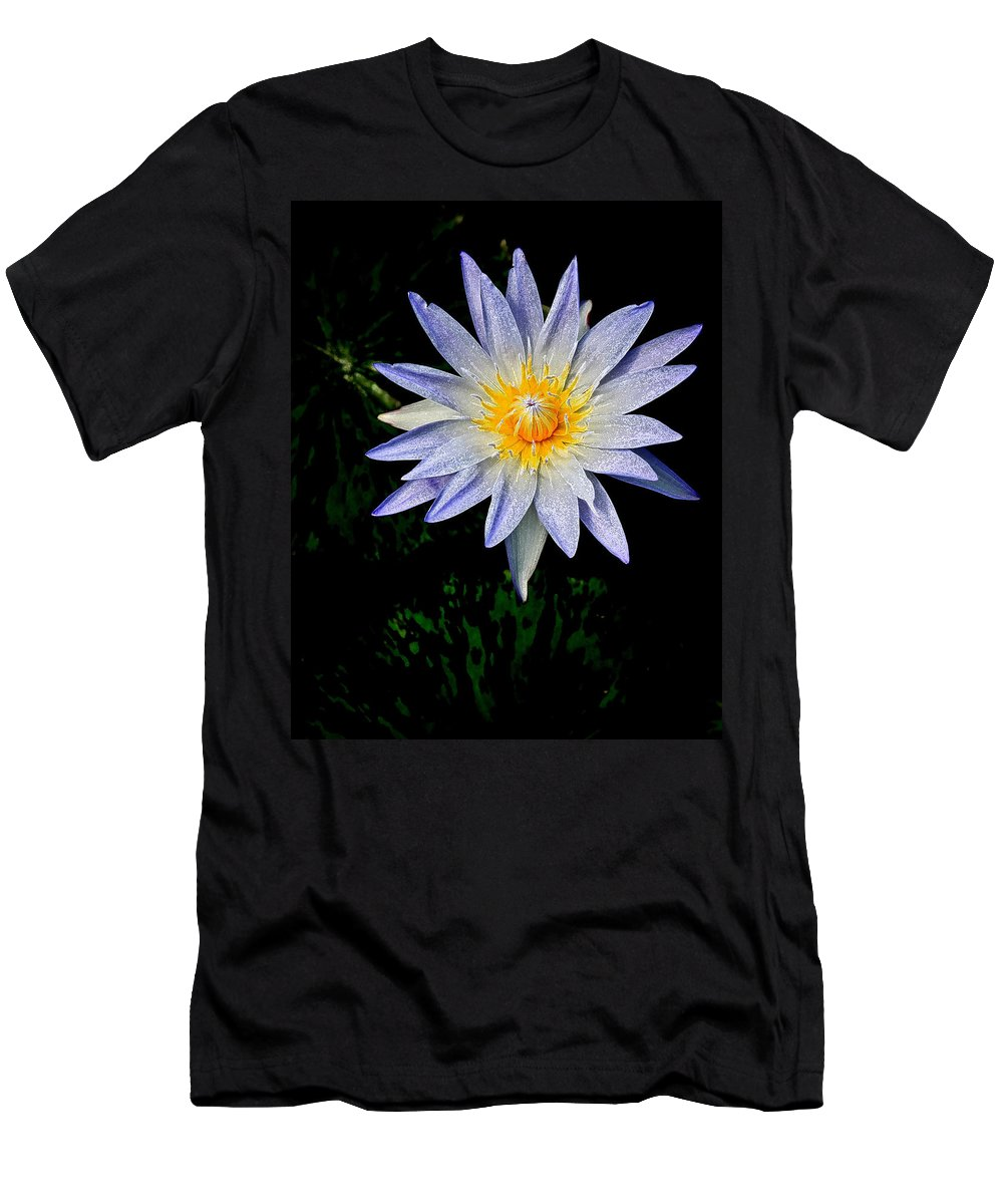 Flowers Men's T-Shirt (Athletic Fit) featuring the photograph Painted Lily by Steve McKinzie