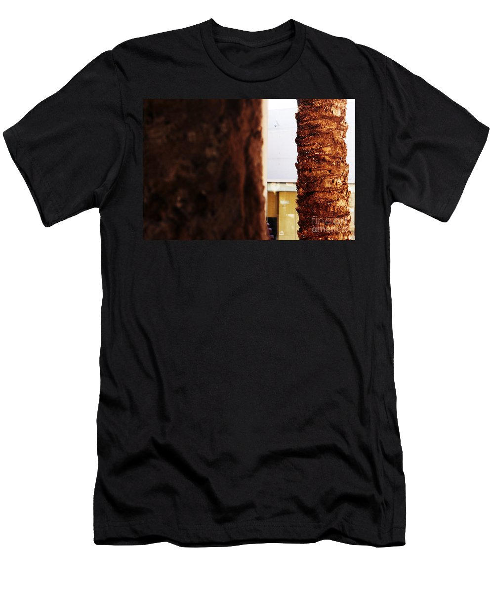 Palmera Men's T-Shirt (Athletic Fit) featuring the photograph Palm And Wall by Agusti Pardo Rossello