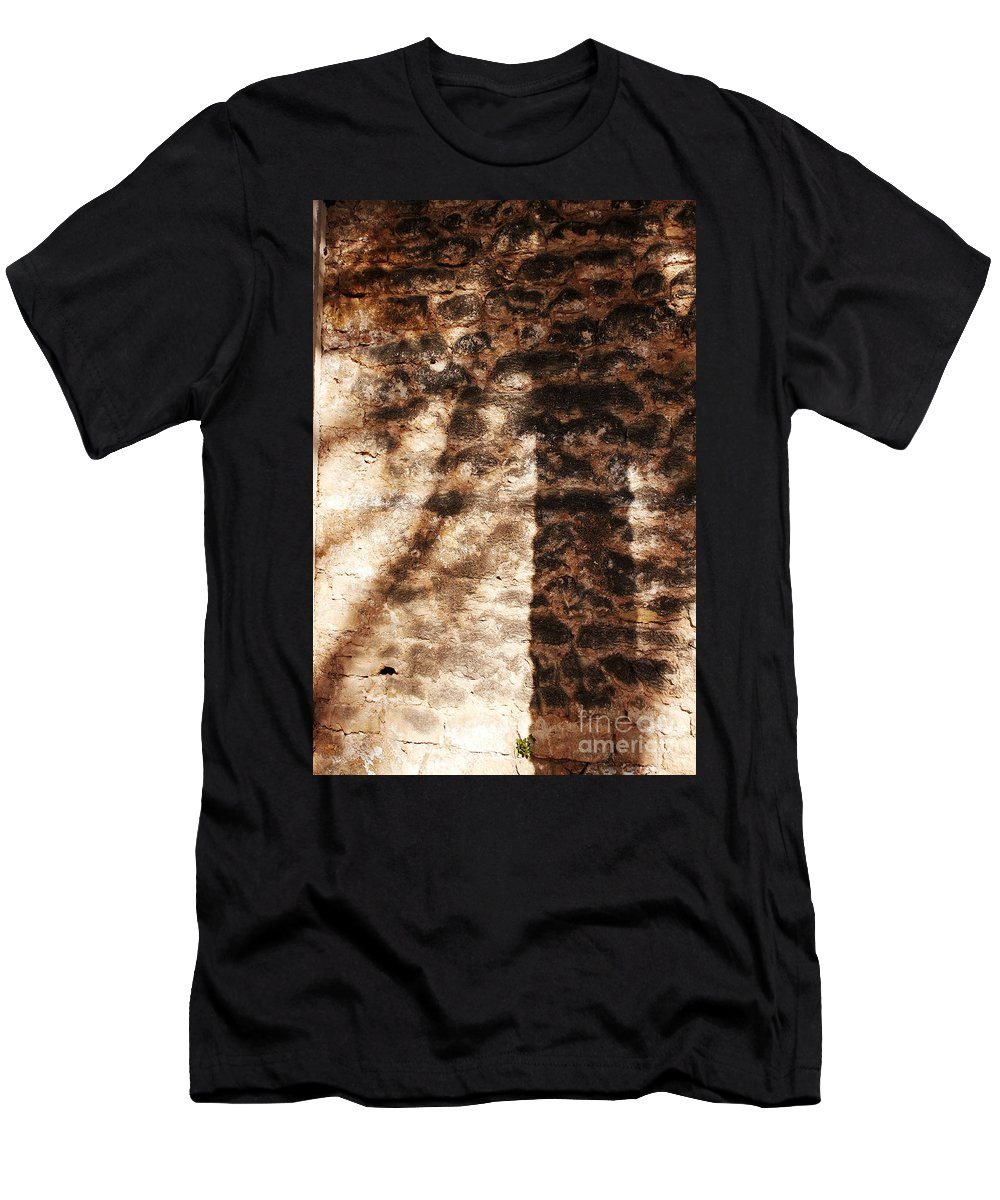 Palmera Men's T-Shirt (Athletic Fit) featuring the photograph Palm Trunk by Agusti Pardo Rossello