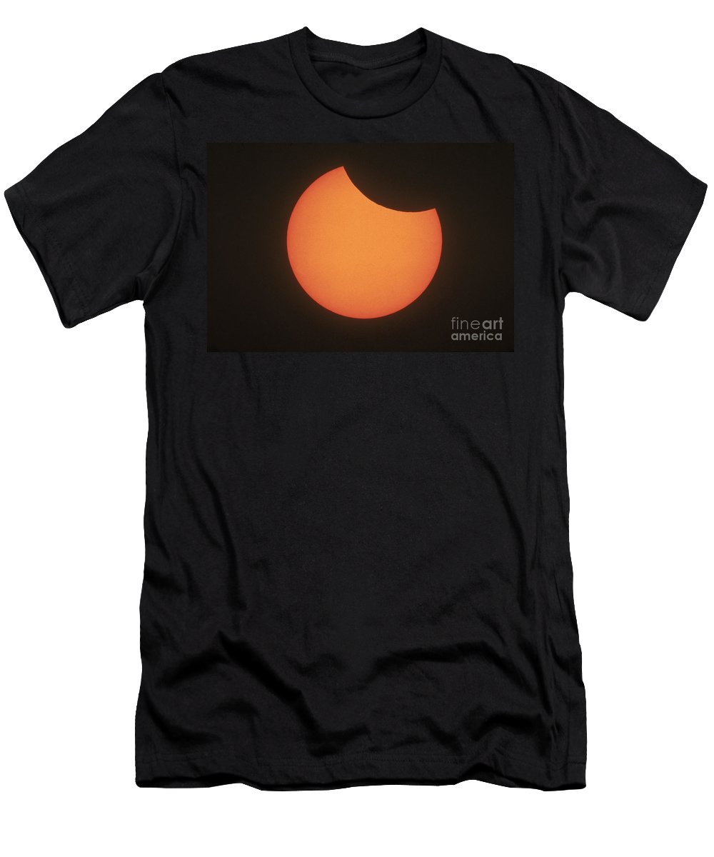 Total T-Shirt featuring the photograph Partial Solar Eclipse by Science Source