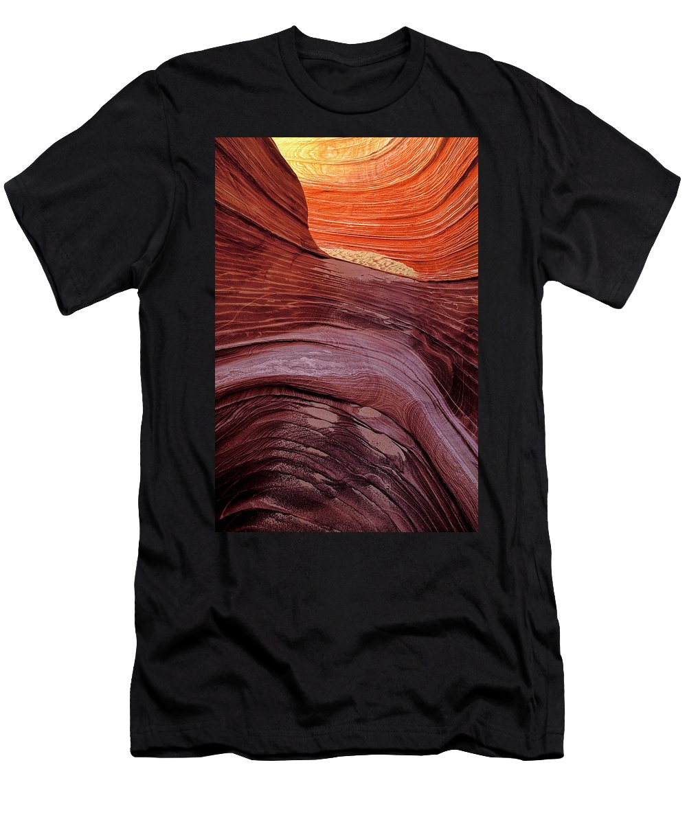 Wave Men's T-Shirt (Athletic Fit) featuring the photograph Passageway To The Wave by Dave Mills