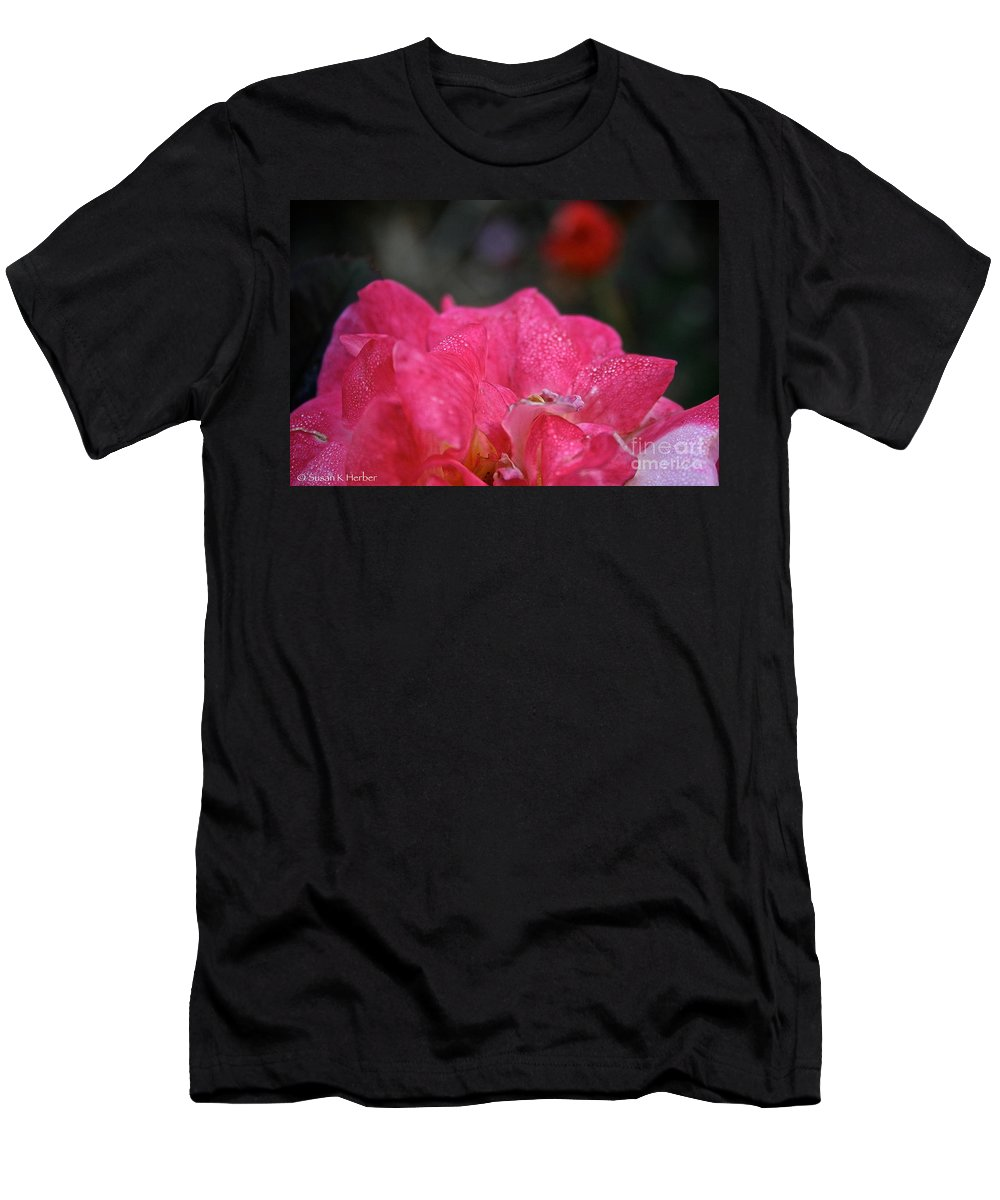 Plant Men's T-Shirt (Athletic Fit) featuring the photograph Petal Bling by Susan Herber