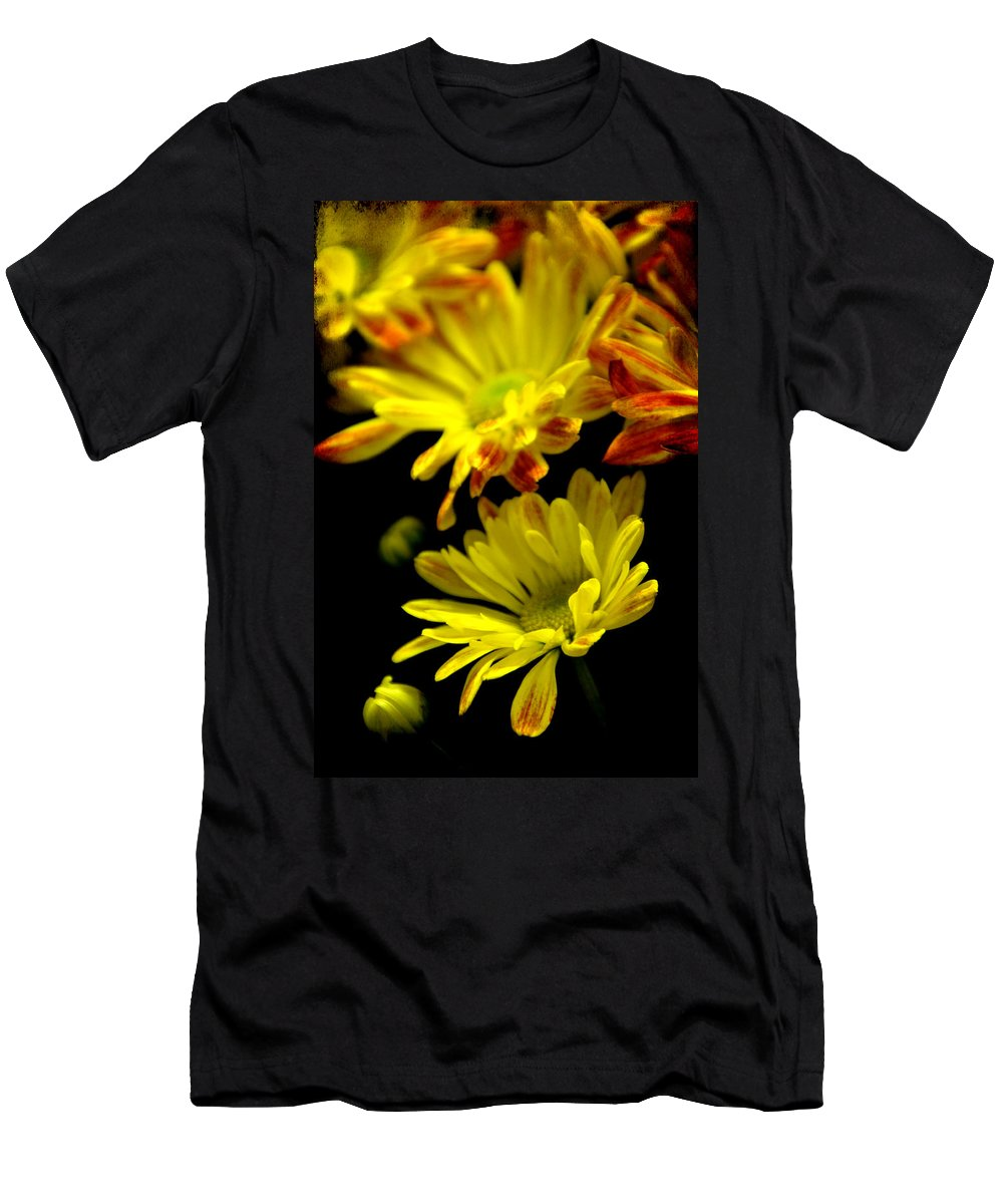 Flowers Men's T-Shirt (Athletic Fit) featuring the photograph Protecting by Angelina Vick