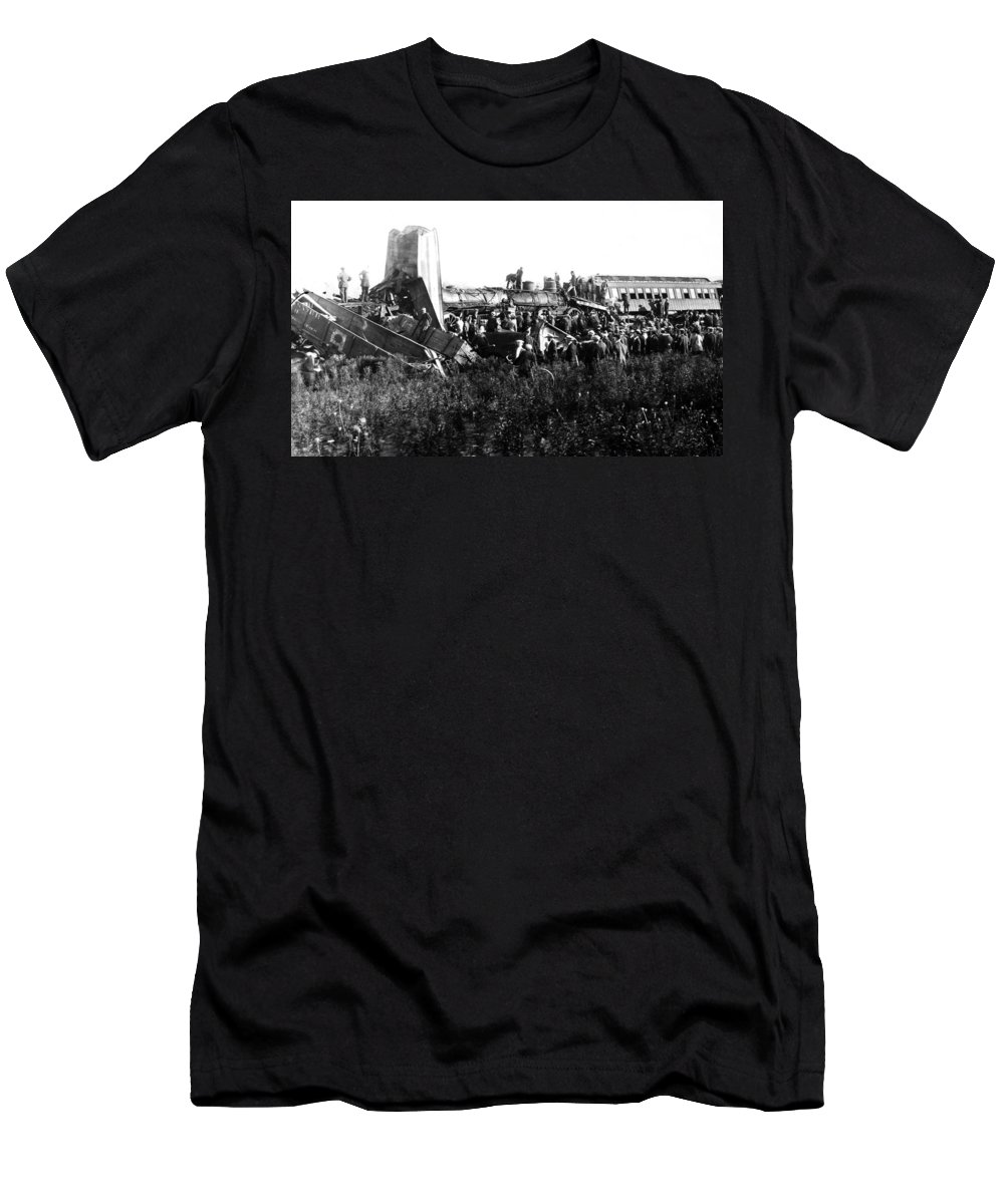 1915 Men's T-Shirt (Athletic Fit) featuring the photograph Railroad Collision by Granger