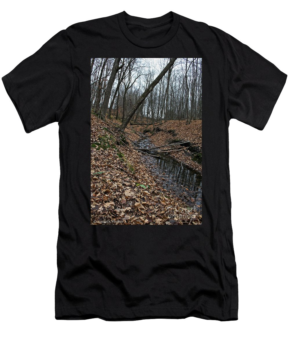 Outdoors Men's T-Shirt (Athletic Fit) featuring the photograph Ravine Creek by Susan Herber