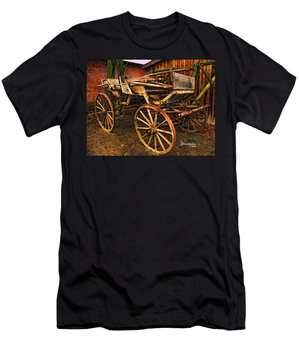 Coach Men's T-Shirt (Athletic Fit) featuring the photograph Ready For A Sunday Drive - Featured In Tennessee Treasures Group And Spectacular Artworks Group by Ericamaxine Price