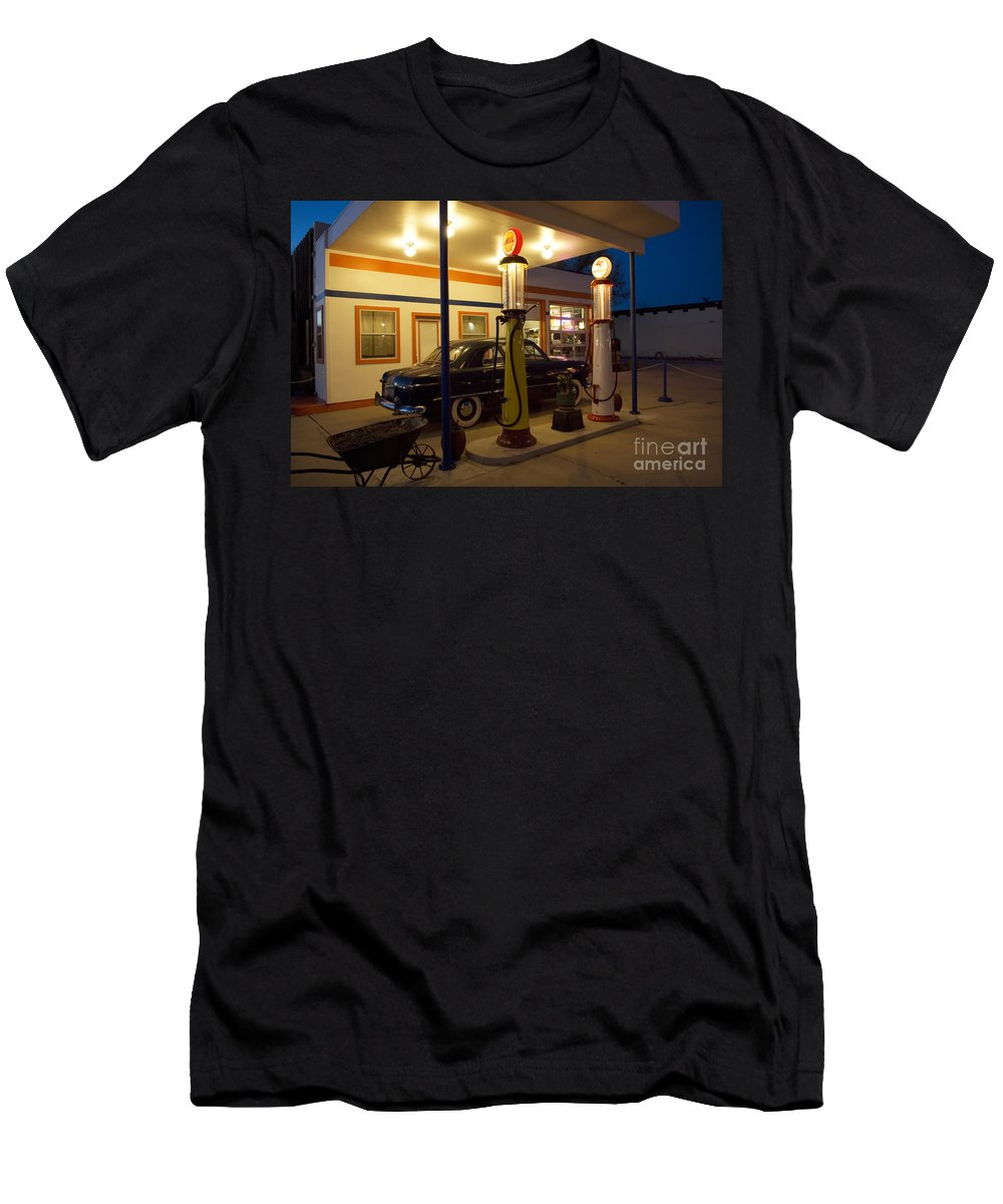 Flames Men's T-Shirt (Athletic Fit) featuring the photograph Route 66 Garage At Night by Bob Christopher