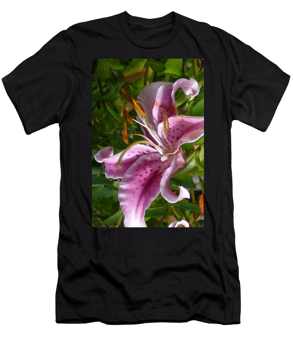 Lily Men's T-Shirt (Athletic Fit) featuring the photograph Rubrum Lily by Carla Parris