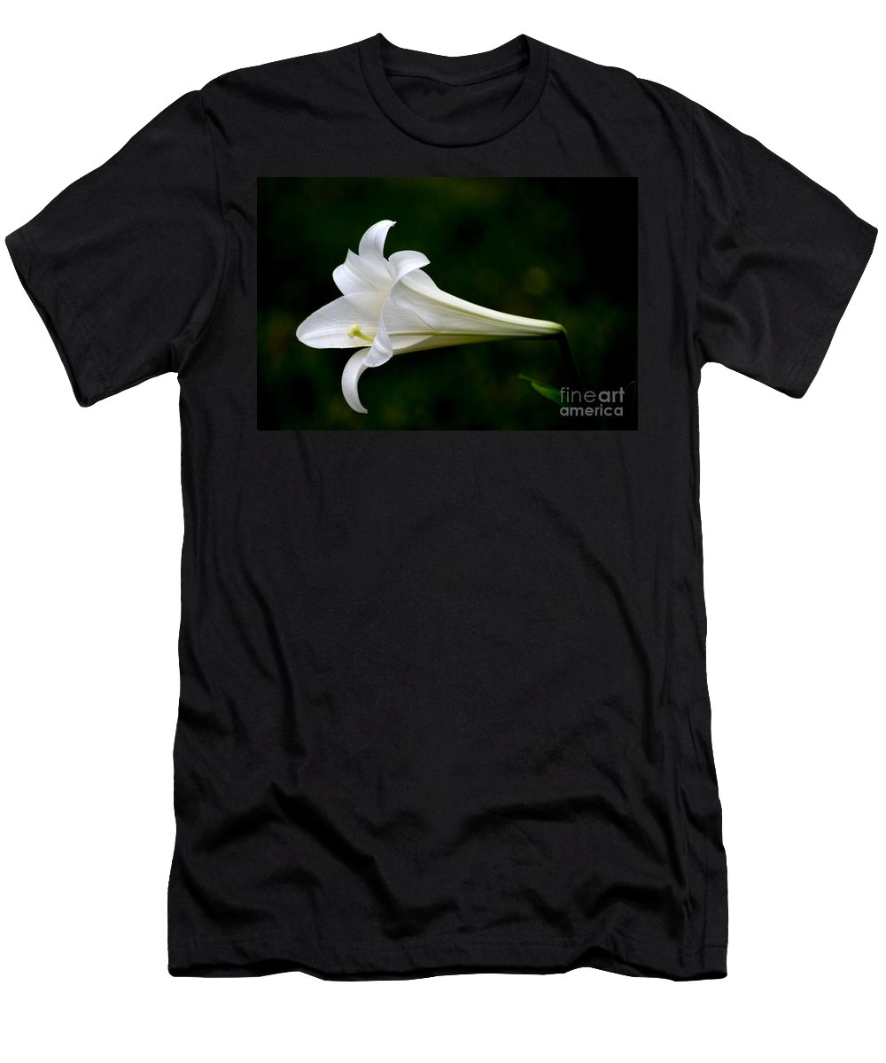 Floral Men's T-Shirt (Athletic Fit) featuring the photograph Simplicity by Living Color Photography Lorraine Lynch