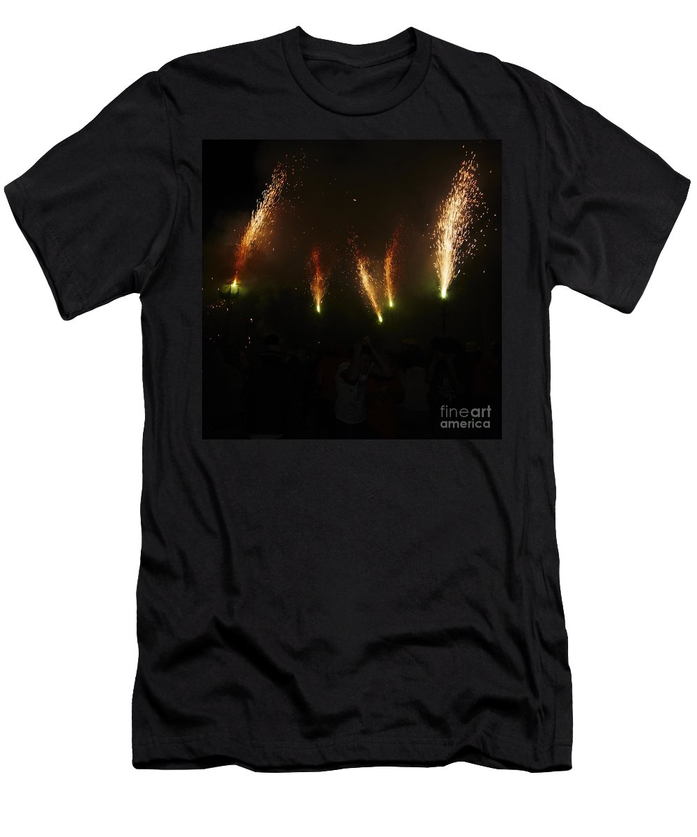 Fuego Men's T-Shirt (Athletic Fit) featuring the photograph Sparks Of Pens by Agusti Pardo Rossello