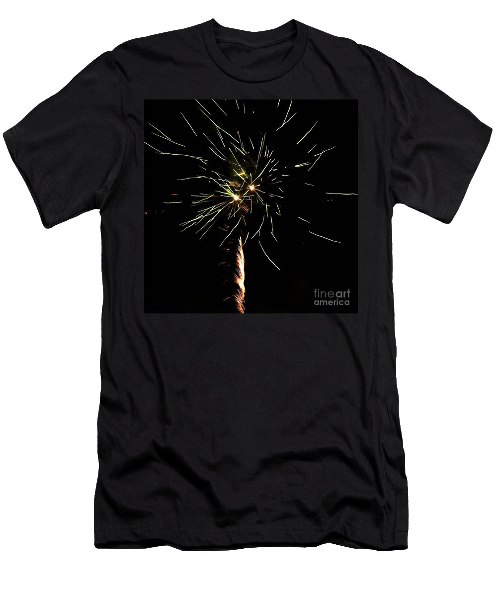 Fuego Men's T-Shirt (Athletic Fit) featuring the photograph Spirograph by Agusti Pardo Rossello