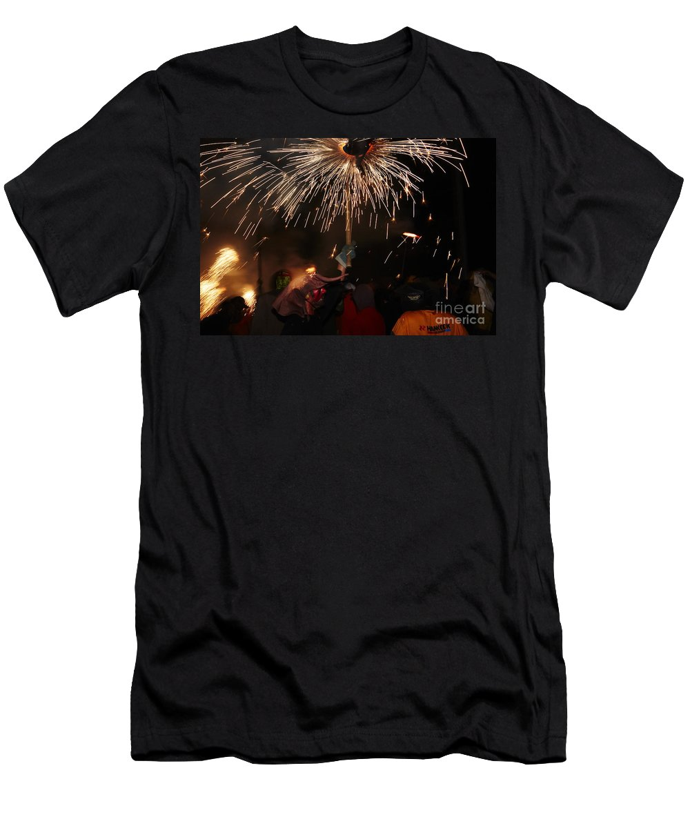 Fuego Men's T-Shirt (Athletic Fit) featuring the photograph Spray Of Sparks by Agusti Pardo Rossello
