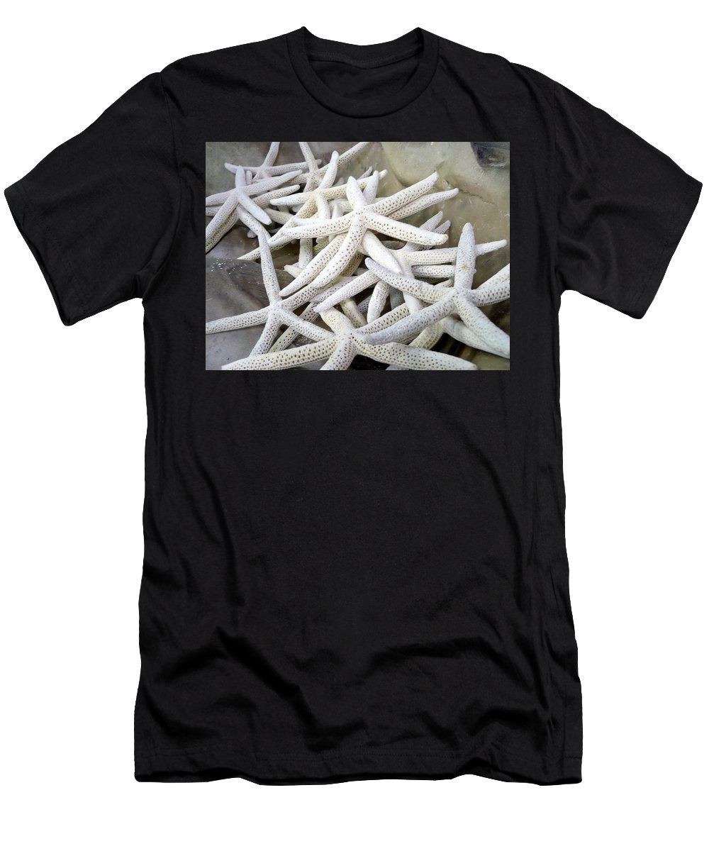 Starfish Men's T-Shirt (Athletic Fit) featuring the photograph Starfish by Carla Parris