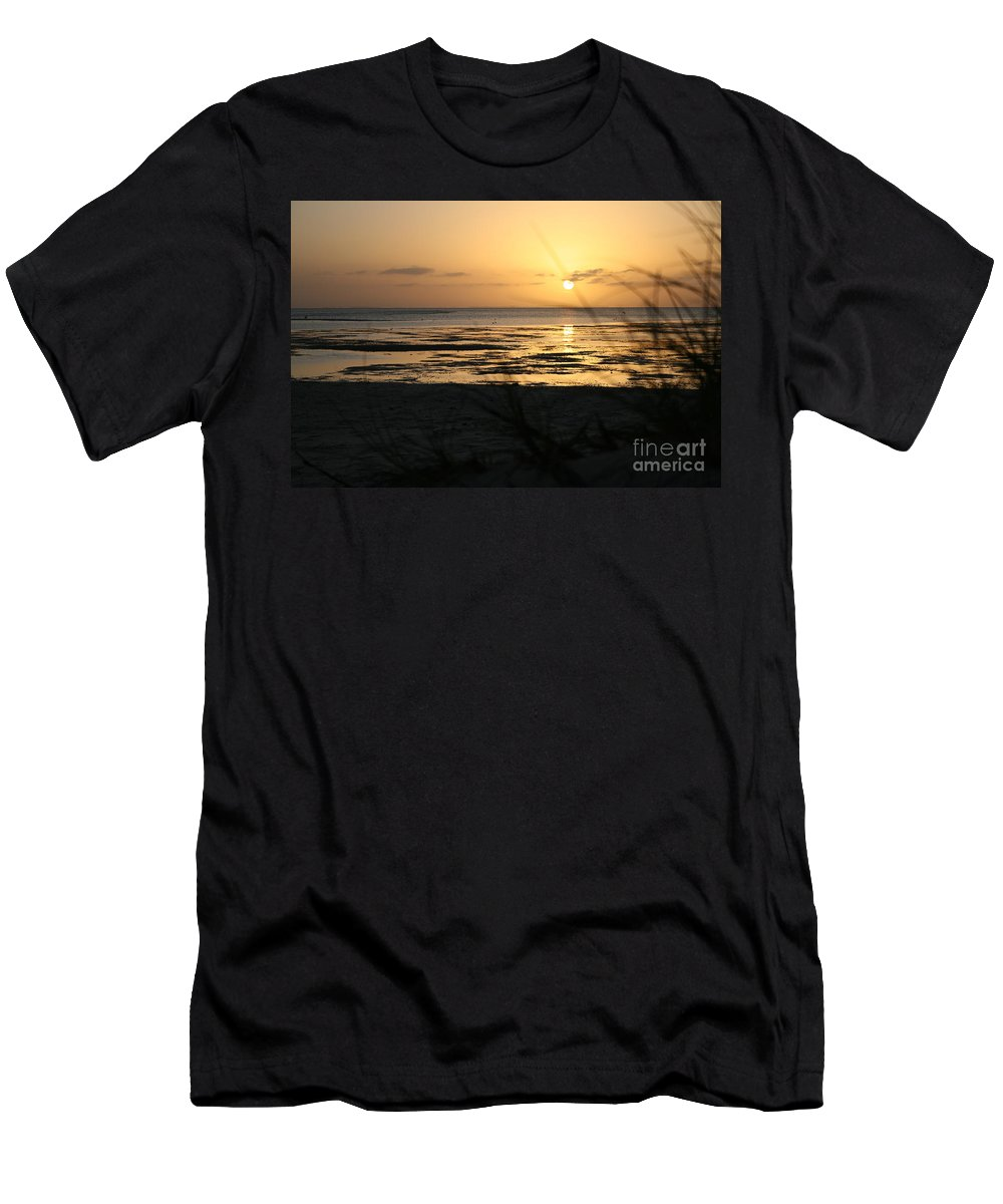 Sun Men's T-Shirt (Athletic Fit) featuring the photograph Sunset Monkey Mia by Nicola Morgan