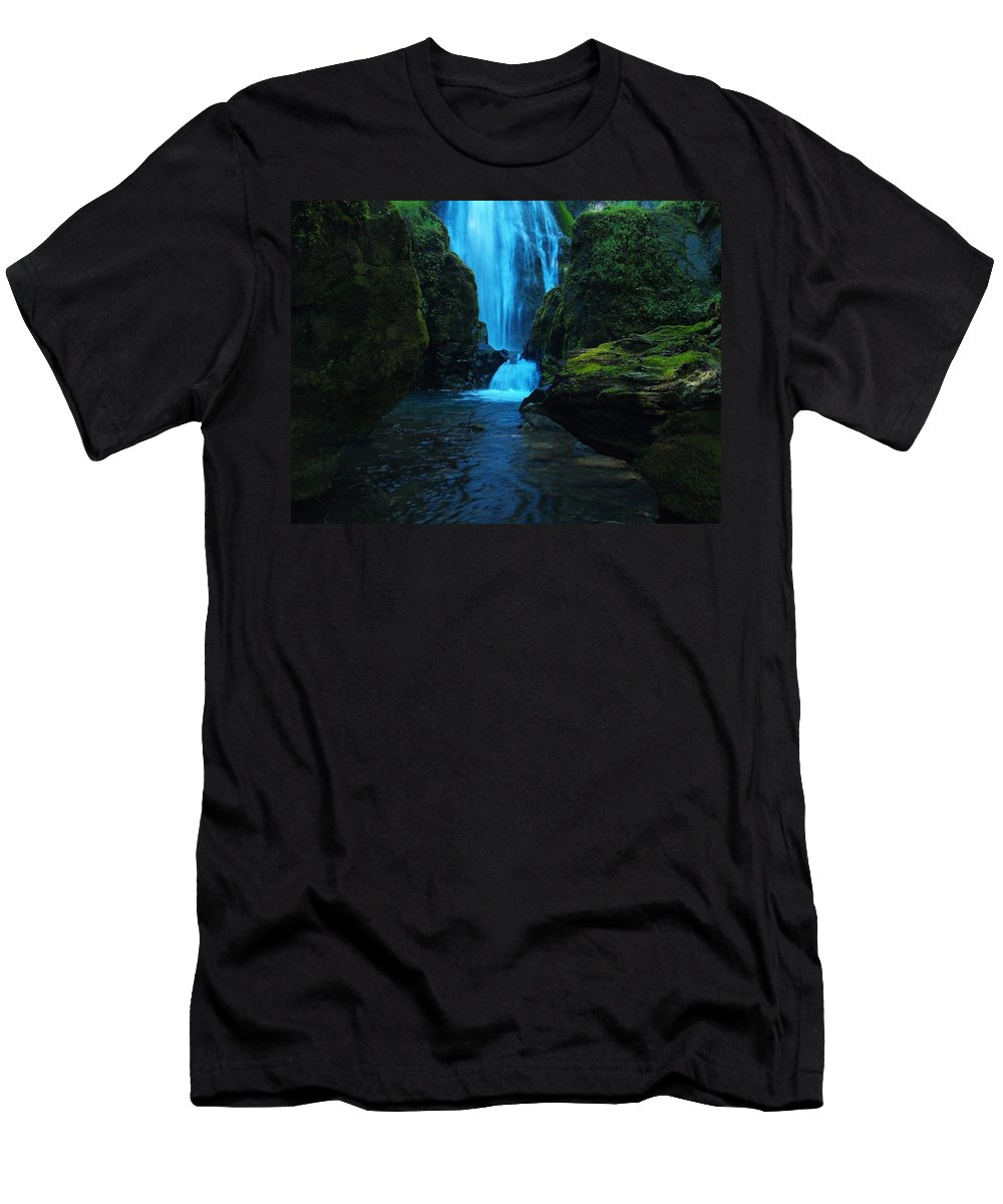Water Men's T-Shirt (Athletic Fit) featuring the photograph Susan Creek Falls by Teri Schuster
