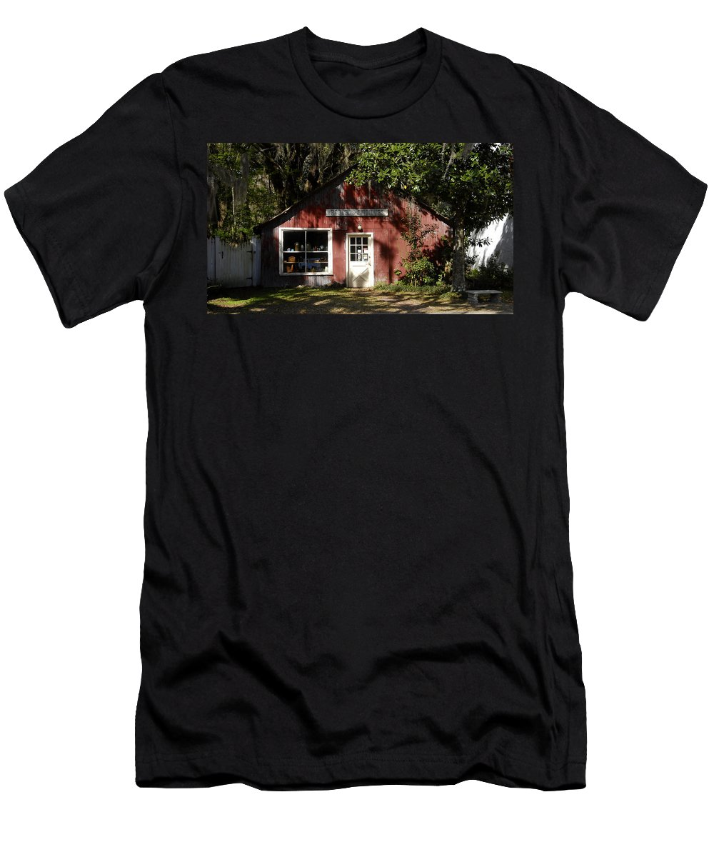 Anique Store Men's T-Shirt (Athletic Fit) featuring the photograph The Old Antique Store by David Lee Thompson