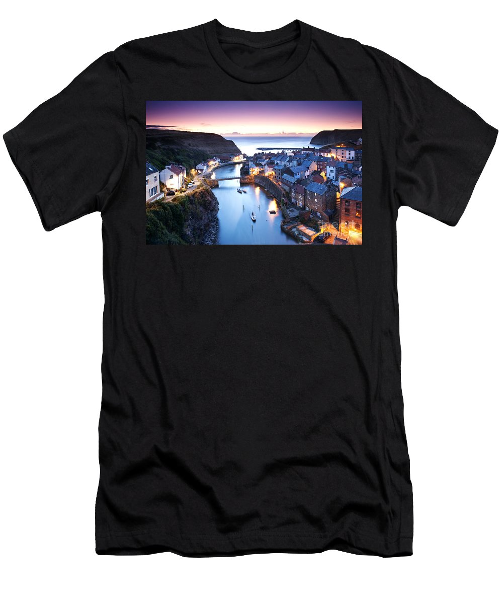 Landscape Men's T-Shirt (Athletic Fit) featuring the photograph Twilight Glow Staithes by Richard Burdon