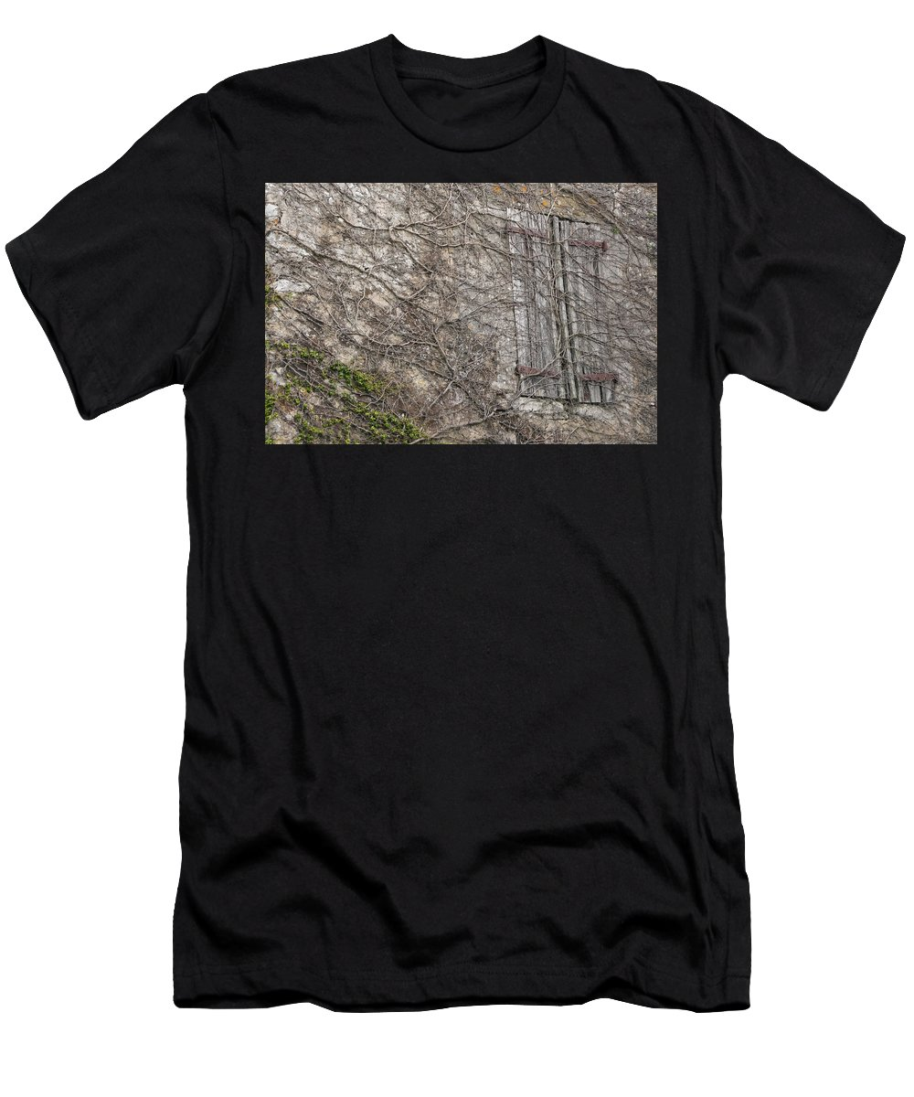 Vinely Wrapped Men's T-Shirt (Athletic Fit) featuring the photograph Vinely Wrapped by Wes and Dotty Weber