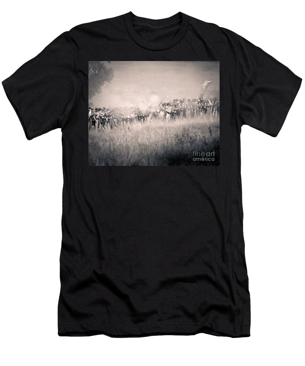 150th Men's T-Shirt (Athletic Fit) featuring the photograph Gettysburg Confederate Infantry 9112s by Cynthia Staley