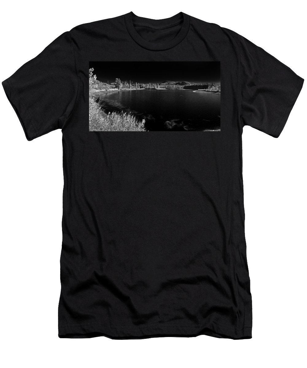 B&w Men's T-Shirt (Athletic Fit) featuring the photograph Cocolala Creek by Lee Santa