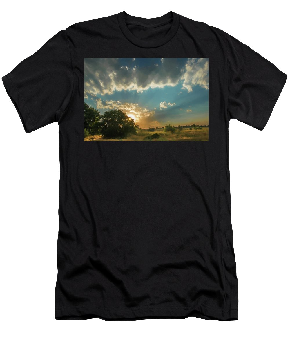 Sunset Men's T-Shirt (Athletic Fit) featuring the photograph Colorado Sunset by Janice Bennett