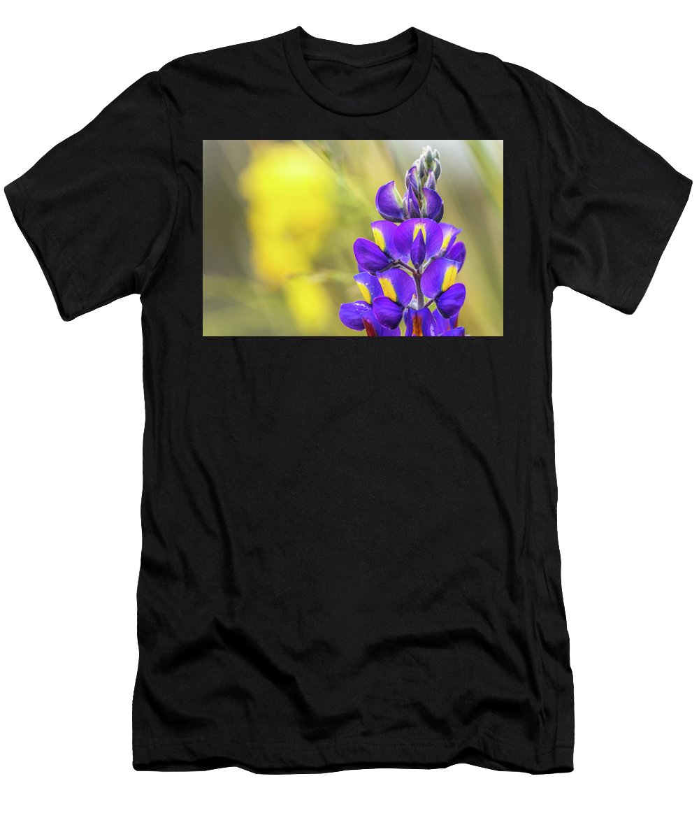 Cusco Men's T-Shirt (Athletic Fit) featuring the photograph Colors by Flavio Huamani Quejia