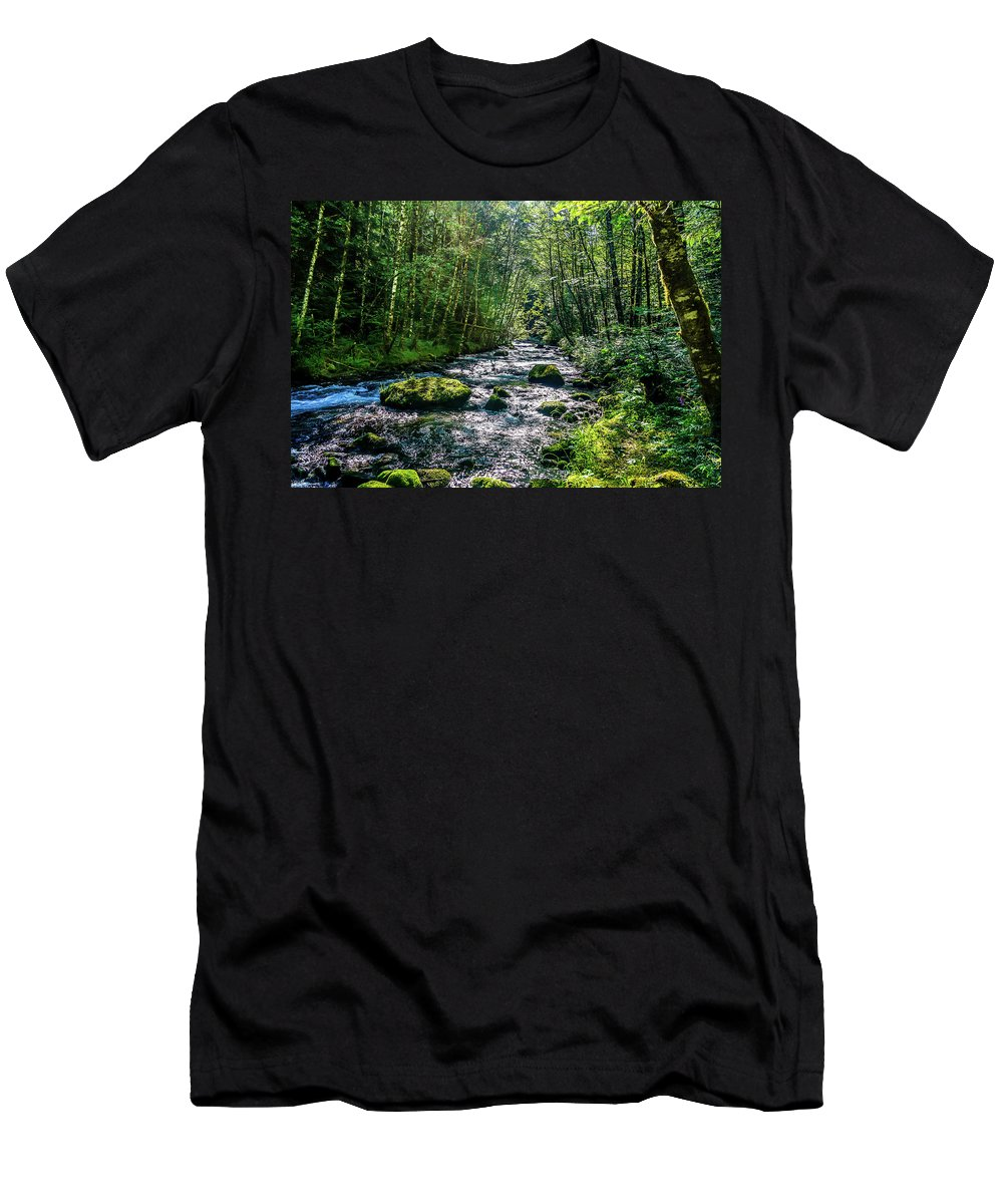 Oregon Men's T-Shirt (Athletic Fit) featuring the photograph Crystal Clear Waters by Ric Schafer