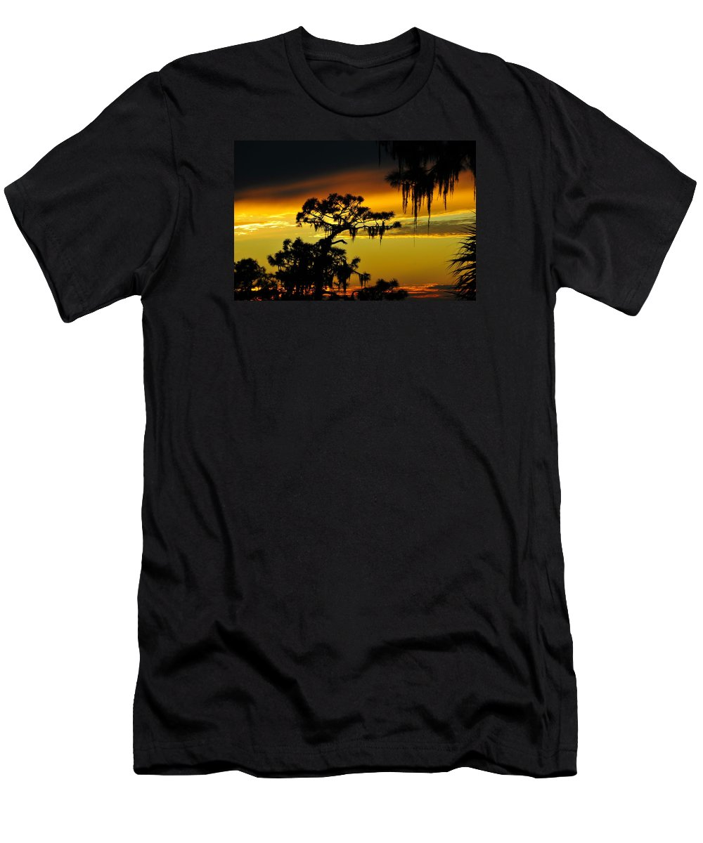 Sunset Men's T-Shirt (Athletic Fit) featuring the photograph Central Florida Sunset by David Lee Thompson