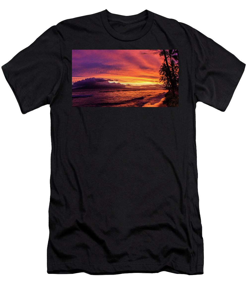Maui Men's T-Shirt (Athletic Fit) featuring the photograph Purple Sunset by Scott Moore
