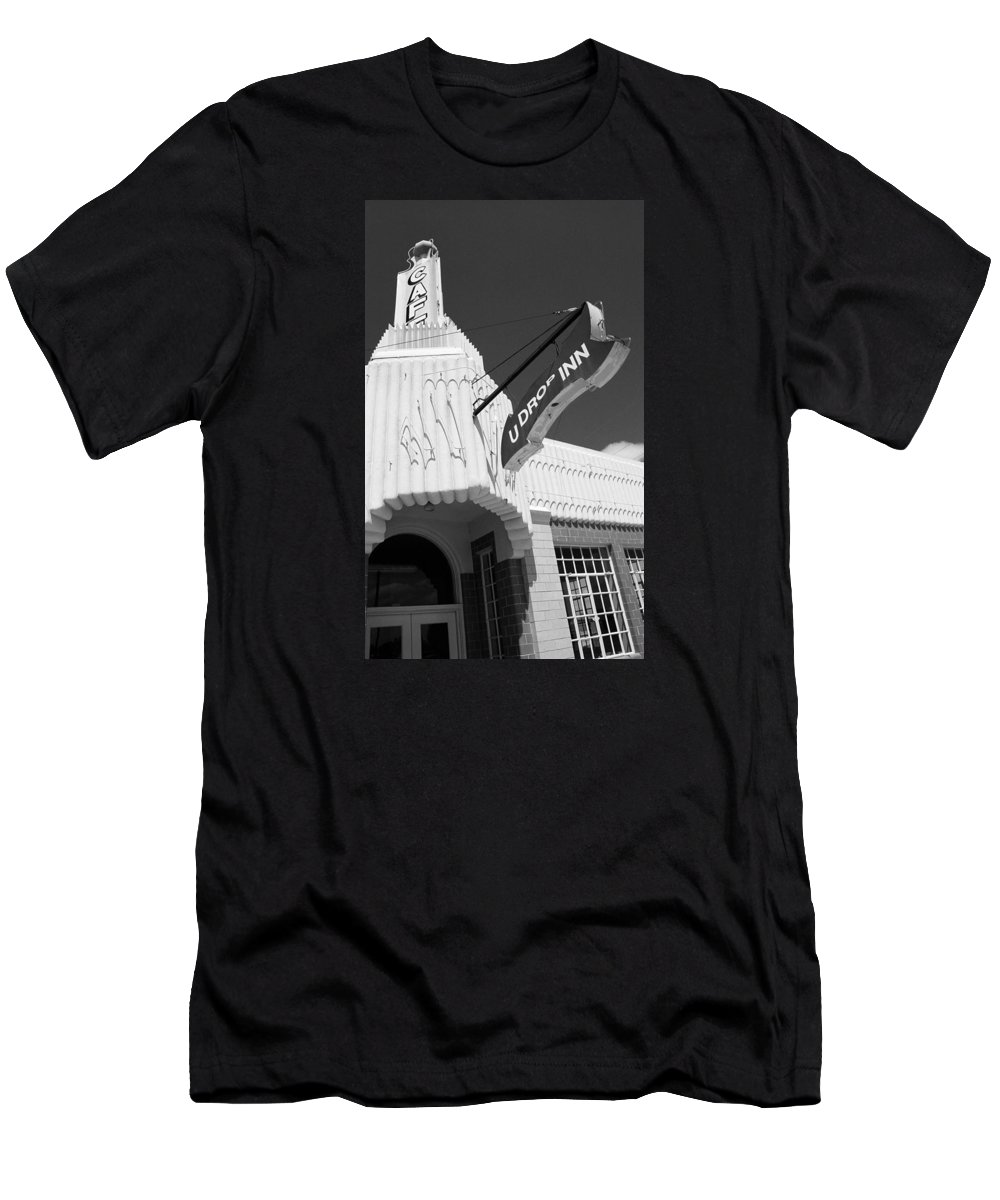 66 Men's T-Shirt (Athletic Fit) featuring the photograph Route 66 - Conoco Tower Station by Frank Romeo