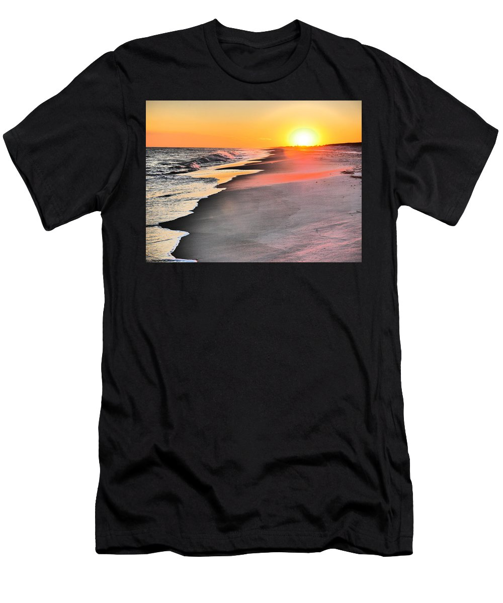 Sunset Men's T-Shirt (Athletic Fit) featuring the photograph Shoreline Sunset by Jack Riordan