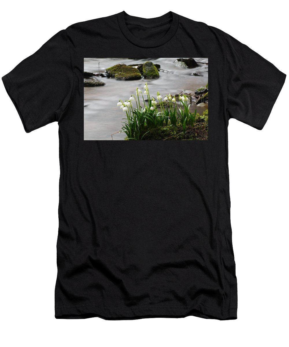 Spring Snowflake Men's T-Shirt (Athletic Fit) featuring the photograph Spring Snowflake by Otto Hauck