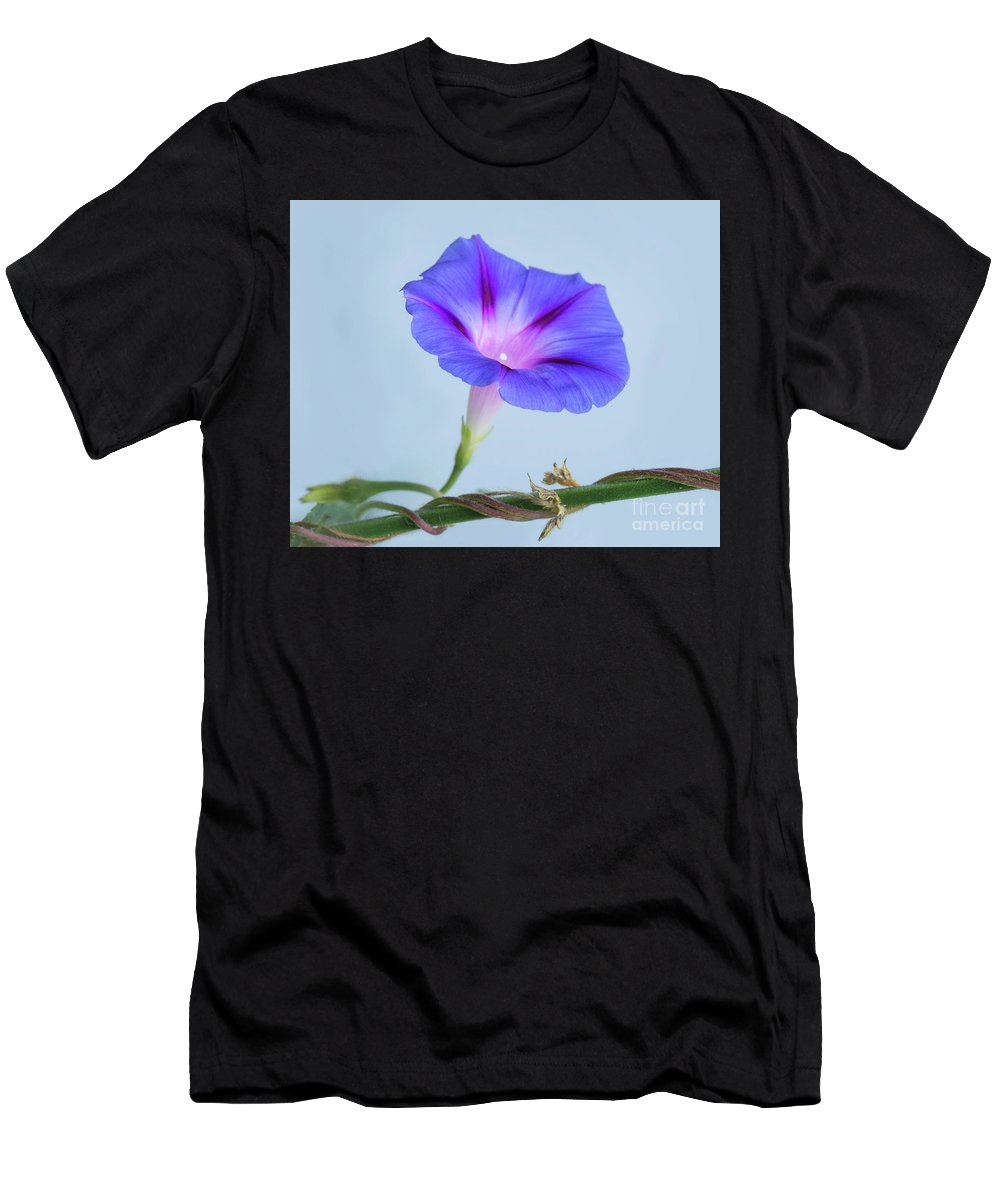 Flower Men's T-Shirt (Athletic Fit) featuring the photograph Wide Open by Claudia Kuhn