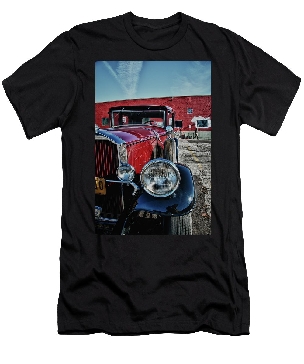 Antique Car Men's T-Shirt (Athletic Fit) featuring the photograph 1931 Pierce Arow 3473 by Guy Whiteley
