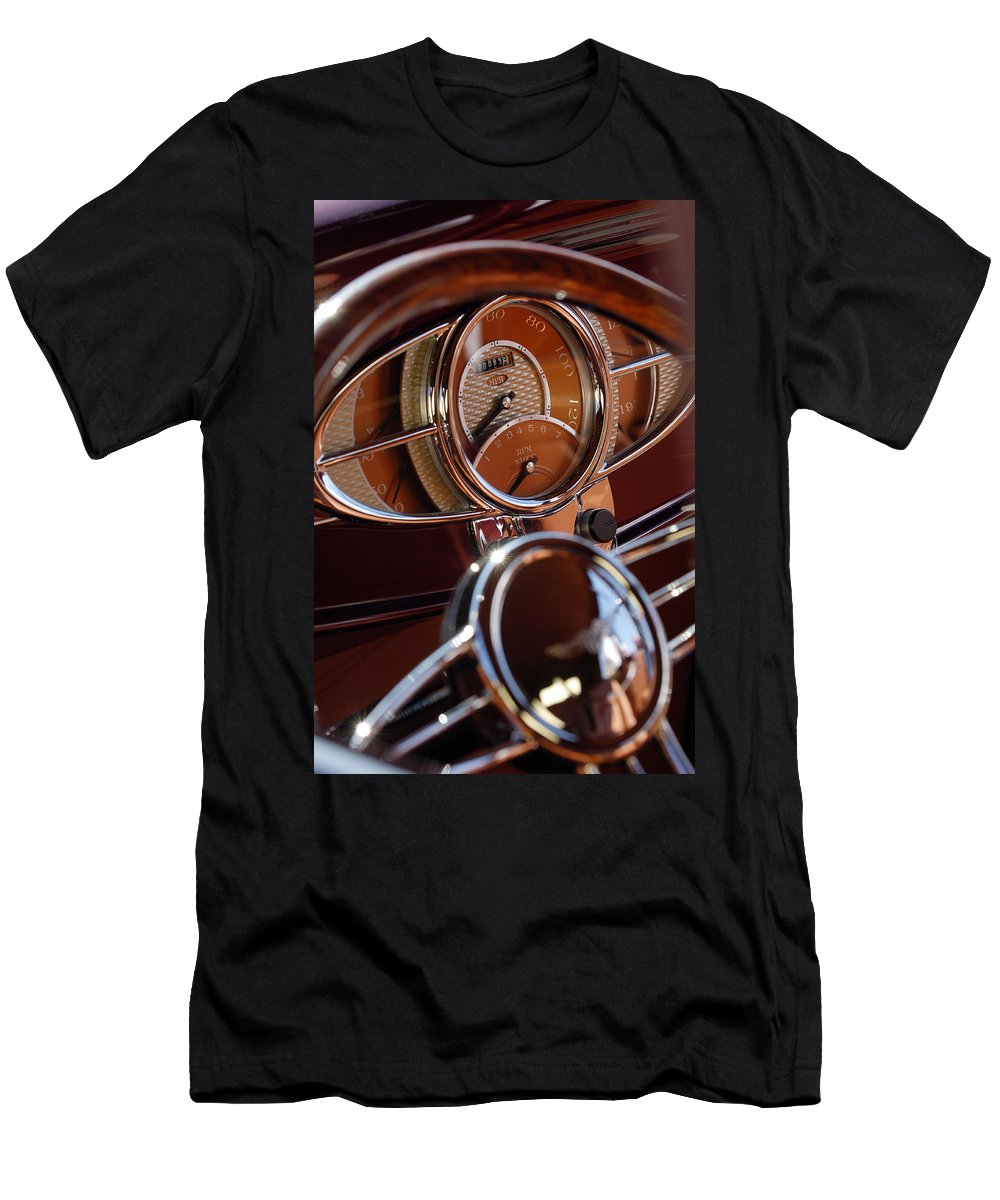 1932 Ford Men's T-Shirt (Athletic Fit) featuring the photograph 1932 Ford Hot Rod Speedometer by Jill Reger